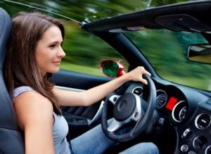 Sommerurlaub: Idealer Zeitpunkt für günstige Autokredite